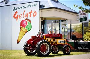 Italian gelato booms: over 100,000 gelato parlours open around the world